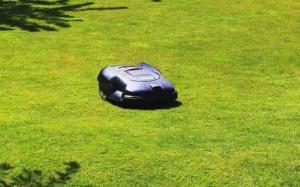 automatischer Rasenmäher